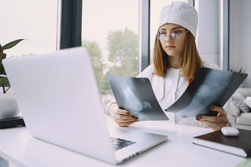 SANTE FORMAPRO au service des professionnels de santé